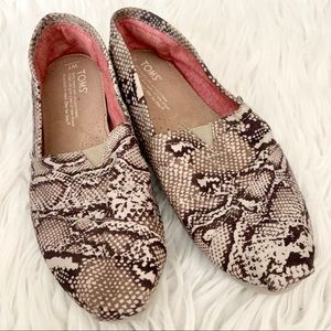 Toms Shoes - TOMS Snake print Natural canvas